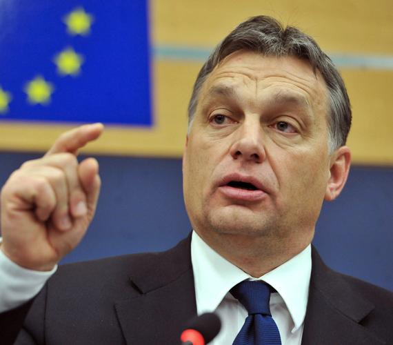 Szerdán Orbán Viktor az EP-ben válaszolt a külföldi EP-képviselők Magyarországgal kapcsolatos aggodalmaira. A képviselők a magyar demokráciát féltik.