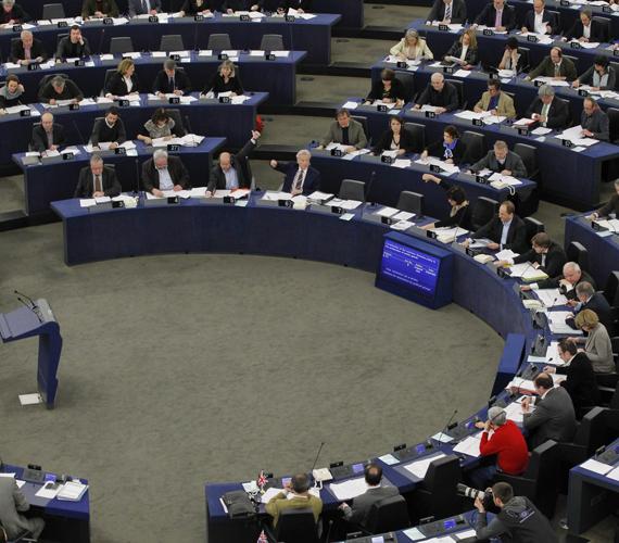 Az EP sem tétlenkedett, határozatot fogadott el hazánk ellen, amelyből kiderül, a demokrácia alapértékeit féltik Magyarországon.