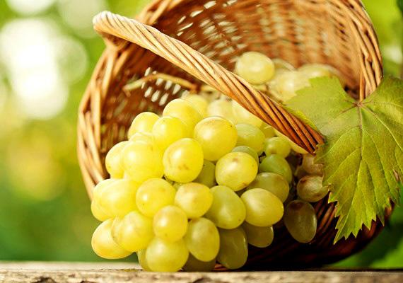 Ha nincs kedved rágcsálnivalót gyártani, csipegess el néhány szem szőlőt!