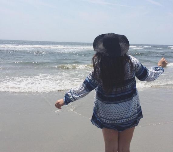 """""""Lementem a partra, hogy lebarnuljak, de csak napégéssel és egy üres naptejes flakonnal tértem haza."""""""