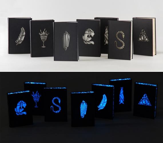 A Harry Potter-könyvek Nagy Kincső által készített borítói világosban is jól néznek ki, de sötétben lenyűgözőek.