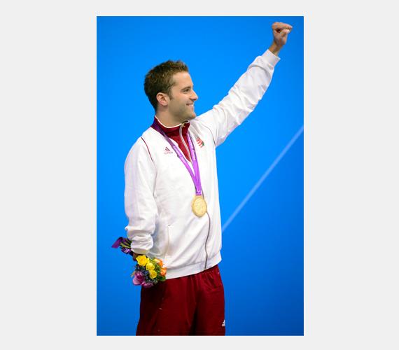 Sors Tamás úszó három érmet szerzett, egy aranyat 100 méteres pillangón, egy ezüstöt 400 méteres gyorsúszásban és egy bronzot 100 méteres gyorsúszásban.