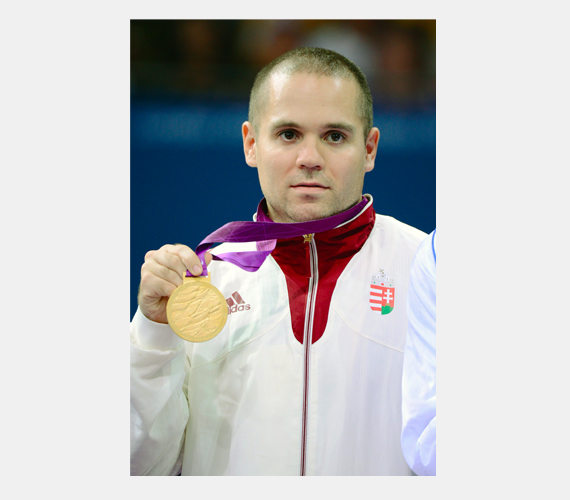 Pálos Tamás aranyérmet szerzett asztaliteniszben.