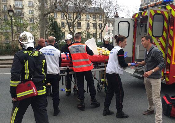 A 12 halálos áldozaton kívül öten súlyosan, 20-an könnyebben sérültek meg.