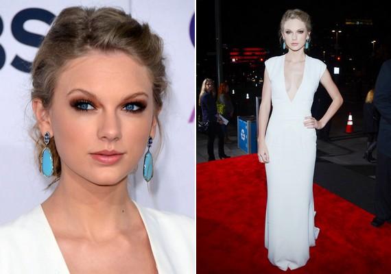 Taylor Swift egyszerű, elegáns, földig érő Ralph Lauren ruhát választott, hangsúlyos, füstös barna szemsminkkel.