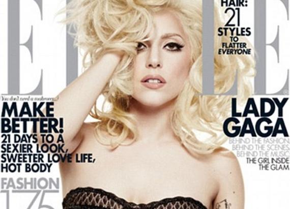 Lady Gaga az Elle címlapján a hajába túrva pózol: de várjunk csak, a jobb karjával valami nagyon nem stimmel!