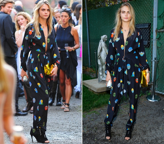 A felkapott 22 éves modell, Cara Delevingne is választott már pizsamaszerű öltözéket, de az a buli közepén cserbenhagyta, és szétnyílt - ide kattintva képeken is megnézheted.