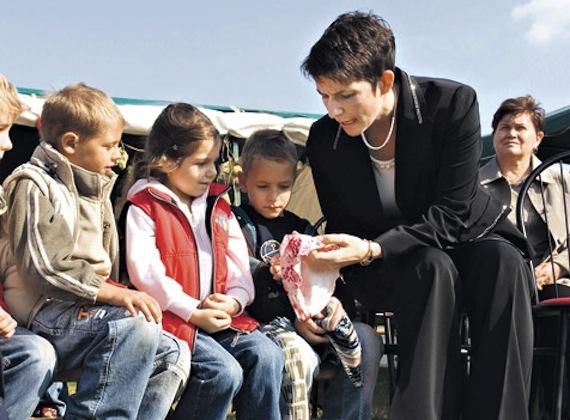 Az ex-miniszterelnök, Gyurcsány Ferenc és felesége, Dobrev Klára két gyermeket nevel, Annát és Tamást.
