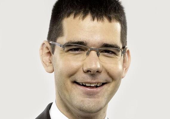 A jobbikos Novák Előd szép karriert futott be pártjában, ám az oktatásban nem tört a csúcsra. A képviselőnek gimnáziumi érettségije van.