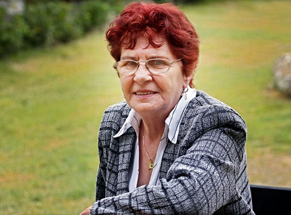 A szintén fideszes Wittner Mária állami gondozásban nevelkedett. A gimnáziumot félbehagyva gépírónőként kezdett dolgozni, de volt varrónő és takarítónő is. Részt vett az 1956-os forradalomban, majd 13 évig börtönben volt. Fideszes képviselő 2006-ban vált belőle.