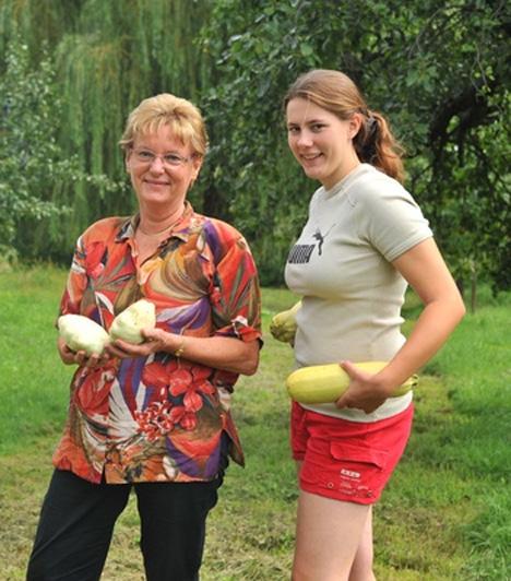 Fő a nyugalomAz oktatásért felelős államtitkár, Hoffmann Rózsa szabadidejét legszívesebben a családdal tölti. Számára a Bakonyba való hazamenetel már maga a kikapcsolódás, ahol szeret főzni, zenét hallgatni, olvasni és erdőt járni.