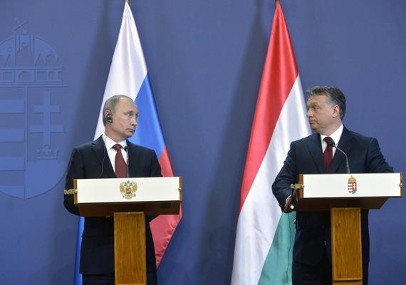 Orbánnál jól érezhette magát Putyin, mert alaposan megvárakoztatták a sajtó képviselőit. Aztán megtudhattuk, hogy Putyin imád beszélni, de azért magyar kollégája is kapott szót - egy keveset.