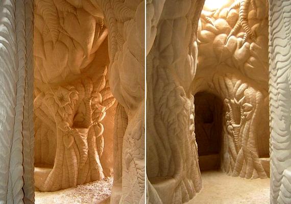 Elképesztő részletességgel munkálja meg a falakat és oszlopokat.