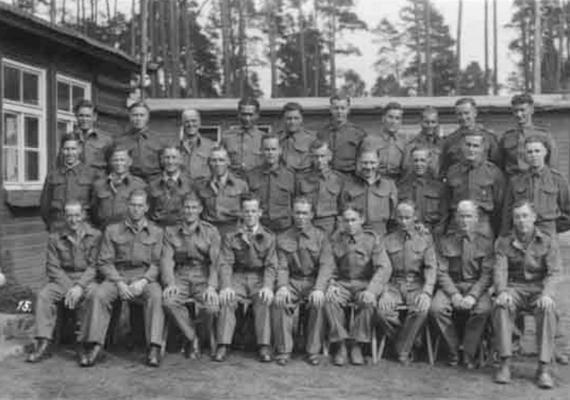 Mindössze három katona került elő a norfolki ezredből az első világháború idején. Elmondásuk szerint a zászlóalj többi tagja egy hegyi expedíció során átsétált egy alacsonyan lévő felhőn, és többé nem látták őket.