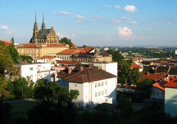 Csehország egyik legnagyobb városa, Brno környékéről is érkeztek már bejelentések a furcsa zajokra vonatkozóan.