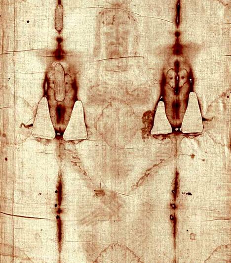 Torinói lepelA négy méter hosszú, lenvászon lepel mintázata a legendák szerint Jézus képmását őrzi, ezzel takarták ugyanis le, mikor sziklasírba helyezték a keresztről való levétele után. A test körvonalain kívül a vérző sebek nyomai is felismerhetők, sokak szerint azonban a szent lepel nem más, mint hamisítvány. Minden idők egyik legvitatottabb ereklyéjét a torinói Keresztelő Szent János-katedrálisban őrzik.