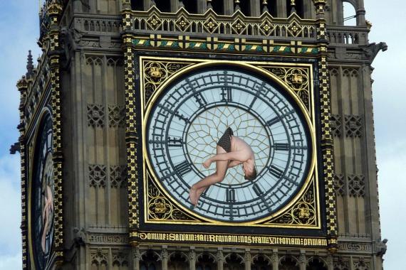 Aztán mutató lett a Big Ben óráján.