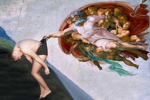 A fiú a fotó nyilvánosságra kerülte után hamarosan a Sixtus-kápolna festményén kötött ki.