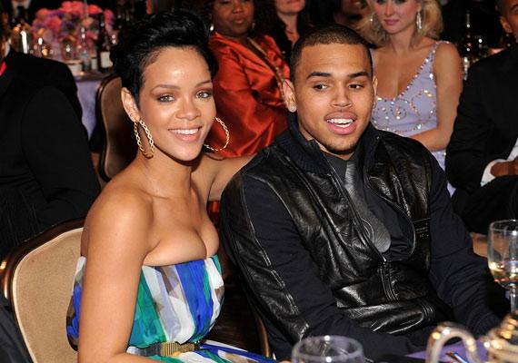 Egy ideje szárnyra kapott a hír, hogy Rihanna és Chris Brown kibékülnek...
