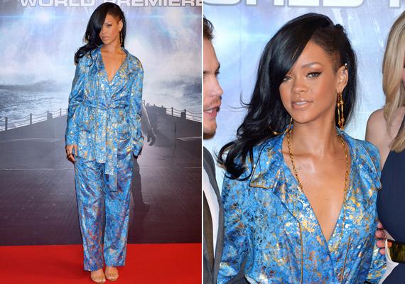 A japán premierre még Rihanna is visszafogottabban öltözött, kimonóra emlékeztető ruhát választott.