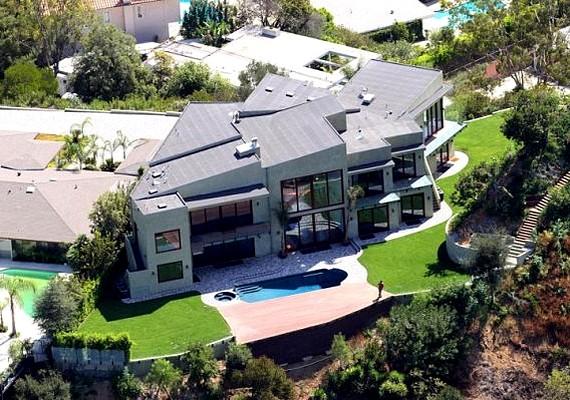 Az énekesnő Beverly Hills-i otthona sem volt éppen egy apró vityilló.
