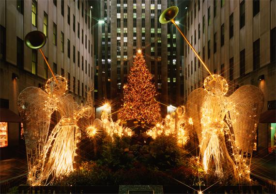 Az angyalok kórusa a legszebb karácsonyi dallamokat fújja. Itt töltheted le a háttérképet!
