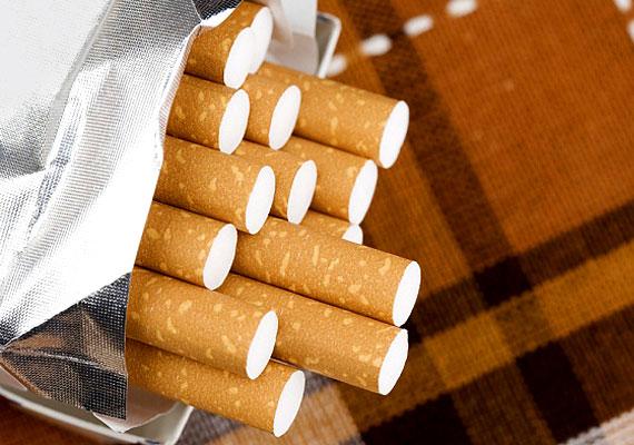 A dohányzás számos kedvezőtlen tulajdonsága mellett a bőrödet is durván öregíti, élettelenné és fakóvá teszi - ez még egy ok, hogy ne szokj rá a cigire!