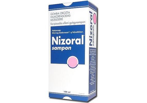Amikor már több van a háttérben, mint egyszerű korpa, és a fejbőrön gombásodás alakult ki, gyógyszertári terméket kell alkalmaznod. A Nizoral hatékony kezelést biztosít.
