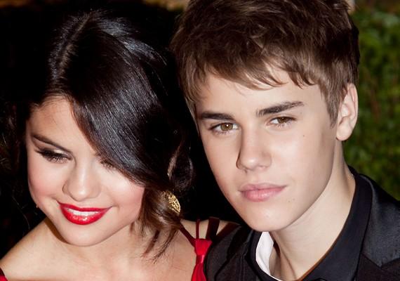 Selena a tinibálvány Justin Biebert is az ujja köré csavarta.