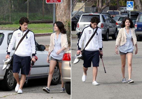 Korábban Miley Cyrus exével, Nick Jonasszal randizott - Miley pedig állítólag egy rövid ideig járt Justin Bieberrel.