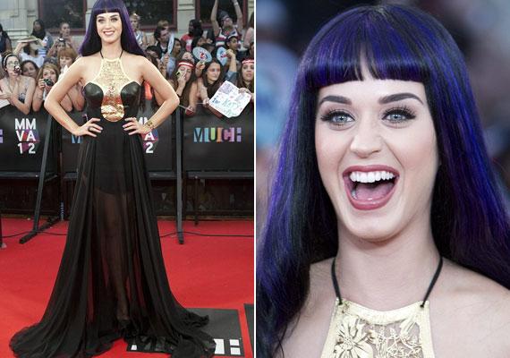 Katy Perry ruhája volt az esemény másik legérdekesebb szerelése: még mindig a goth stílusban nyomul.
