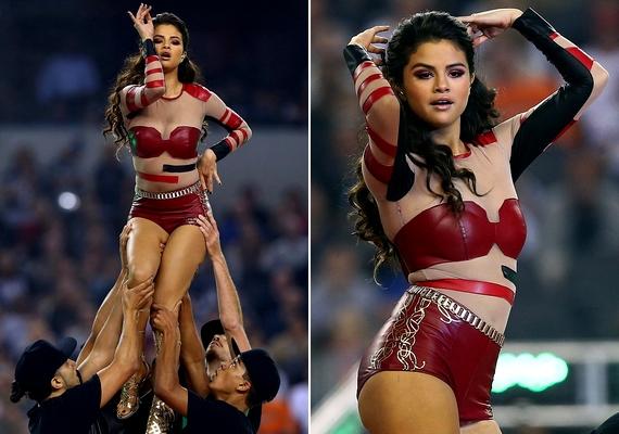 Selena Gomez szexis bőrruhában lépett fel a meccsen.