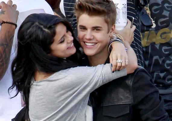 Selena 2010 és 2012 között járt Justin Bieberrel, ám a véglegesnek tűnő szakítás után is többször pletykáltak arról, hogy a sztárpár újra összejött. Ezt ők maguk sem cáfolták soha, de meg sem erősítették.