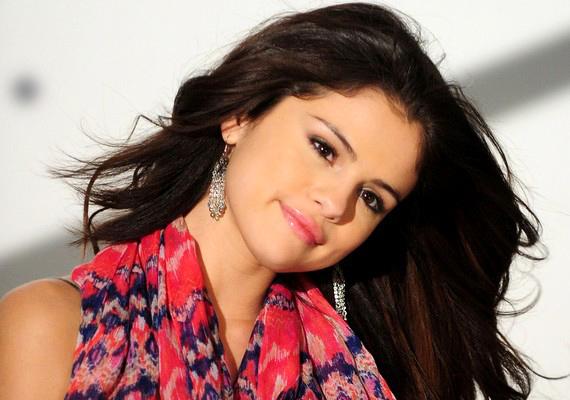Selena Gomeznél dal közben tört el a mécses.