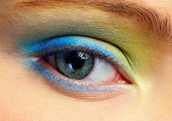 A tarkabarka, színes sminket tartogasd inkább szilveszterre!
