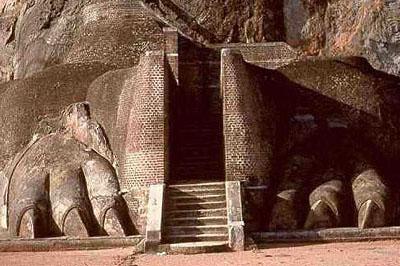 Sigirija: monumentális lépcsősor vezetett a palotába.