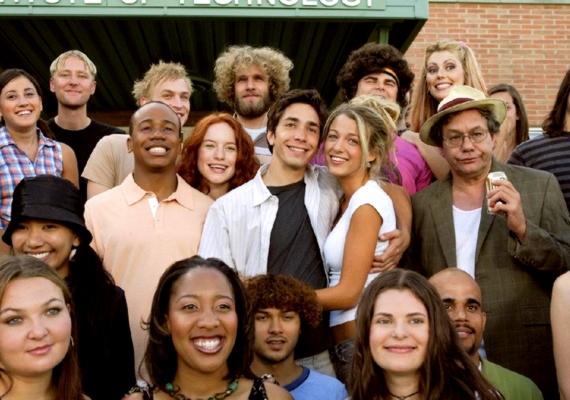 Justin Long a 2006-os Felvéve című mókás mozival alapozta meg a világhírnevét. A színész most éppenAmanda Seyfried-del randizik, de a filmben a Gossip Girl Serenája, Blake Lively a partnere. A 6,4 pontra értékelt Felvéve című filmről itt olvashatsz bővebben.