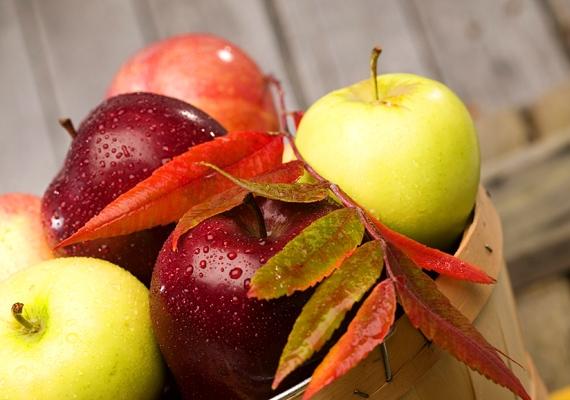 Az alma nemcsak a szájszagot űzi el, de a fogakat is megtisztítja a lepedéktől.
