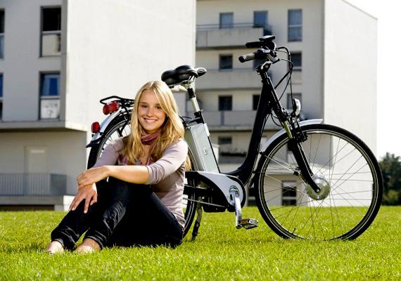 Kriszti: - Nekem a sport mindig segít. Vagy a kirándulás. Csak felülök a biciklire, és bejárok olyan helyeket, ahol még nem voltam előtte.