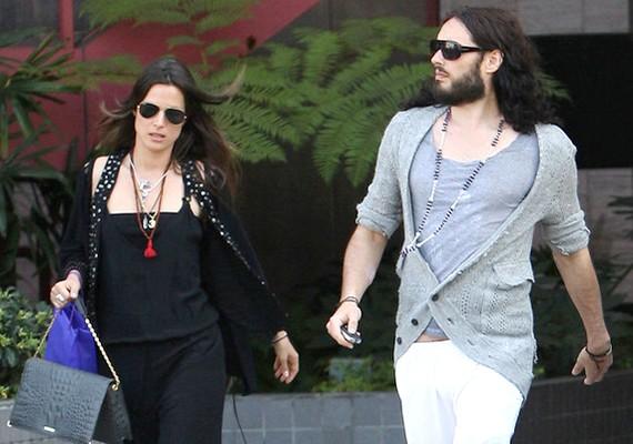 Russell Brand egy magyar lánnyal, Barabás Nikolettel vigasztalódott, miután elvált Katy Perrytől. A kapcsolat márciusban kezdődött, és csak nagyon rövid ideig tartott.