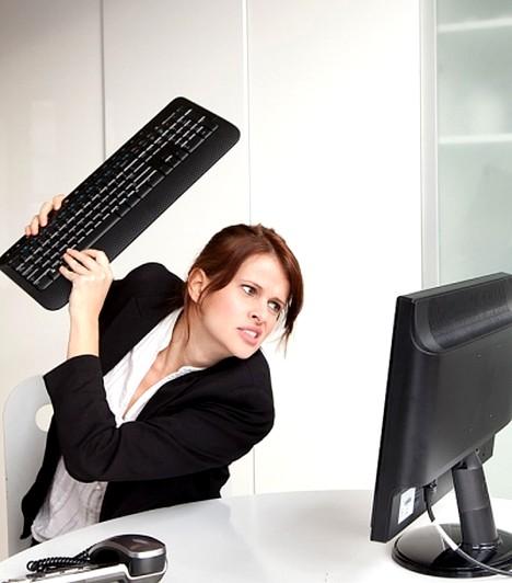 Ütésvédelem  Talán a legfontosabb lépés a számítógép épségének megőrzése érdekében az, hogy ne érje ütés a szerkezetet, sem általad, sem véletlenül. A laptopoknál különösen fontos, hogy megvédd az ütéstől, mert még végzetes hibát is okozhat.