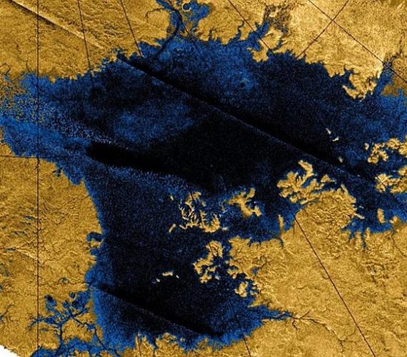 A Titánon több állóvíz található, legnagyobb tengerén, aLigeia Marén eddig nem történt ismert változás, most viszont összezavarodtak a tudósok, még a sziget halmazállapotát illetően sem teljesen biztosak.