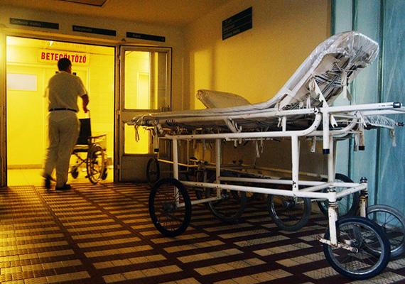 Amíg a magyarországi vidéki kórházak sorozatban fejlődnek, a fővárosban található, sokszor központi kórházak egyre rosszabb állapotban vannak, a tartalékaik kimerültek és a további fejlesztések sem a budapesti kórházakat támogatják.