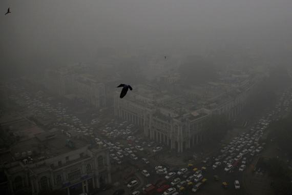 Nemcsak a vízben rossz a helyzet: Újdelhi belvárosában óriási a szmog, minden eddiginél erősebb a légszennyezés.