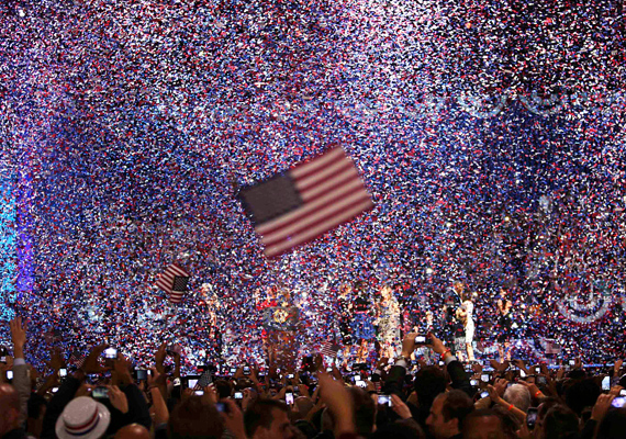 Philip Scott Andrews örökítette meg a konfetti esőt, amikor kihirdették Barack Obama győzelmét november 7-én.