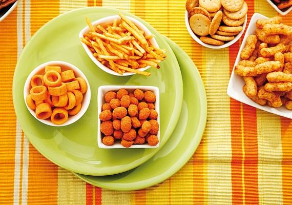 Ne csak egy nagy vacsorával fogadd a vendégeket, mindenképp kínálj apró rágcsálnivalókat is.