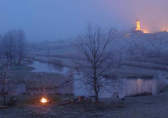 A hamisítatlan falusi hangulatú szilveszterért látogass el Novára a Göcsej tájegységben. Rengeteg fakultatív programot, falusi finomságokat és határtalan vendégszeretet kapsz itt az év utolsó napján is.