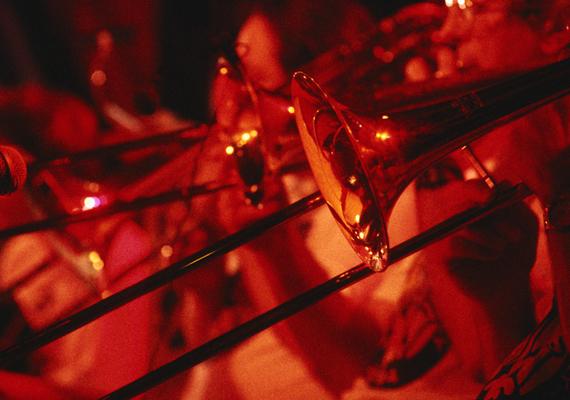A zene szerelmesei szilveszterkor sem maradnak program nélkül, hiszen a Budapest Jazz Clubban olyan vendégek lépnek majd fel, mint Harcsa Veronika & Gyémánt Bálint Duo a Szakcsi Lakatos Béla Trio és az Elsa Valle y sus Hermanos.