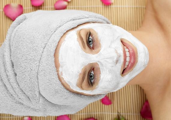 Egy arcpakolás még a másnapos bőrt is helyrehozza. Kattints ide néhány házi kenceficéért! »