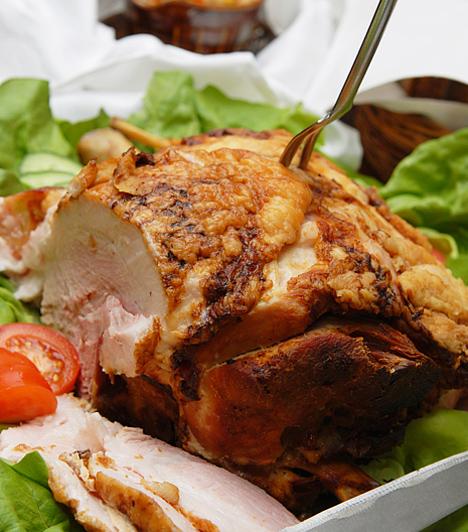 Malacsült  A malacról úgy tartják, hogy szerencsét túr, ezért szokás új év napján sertésből készült fogást fogyasztani. A babona szerint ugyanis így a jövő év szerencsében és gazdagságban fog telni.